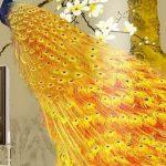 วอลเปเปอร์พิมพ์ลาย ภาพมงคลเรียกทรัพย์ ลายนกยูงมงคลสีทอง