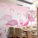 Print Wallpaper ลายฟลามิงโก ฉากหลังเป็นลายดอกไม้สีชมพู ตกแต่งห้องรับประทานอาหาร