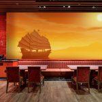 วอลเปเปอร์สั่งพิมพ์ตามแบบ ลายเรือสำเภาโบราณ พื้นหลังสีส้ม ตกแต่งร้านอาหาร