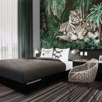 Print Wallpaper ลายเสือในสวนป่า ตกแต่งห้องนอน