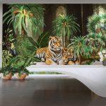 ไอเดียตกแต่งผนัง ภาพพิมพ์แคนวาส ลายเสือนอนคู่กันในสวนป่าเขียวขจี