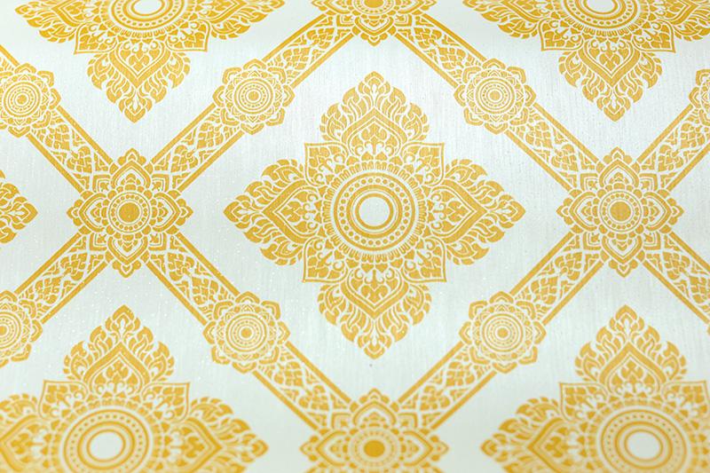 รับติดวอลเปเปอร์ลายไทย ลายดอกประจำยาม สีทองพื้นขาว ตกแต่งห้องพระ